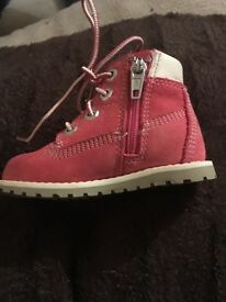 Infants pink Timberland boots 4.5