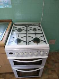 WHITE DOUBLE OVEN WITH 4 GAS BURNER HOB & EXTRACTOR