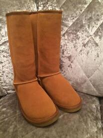 Ugg boots size 4 n 5s £30