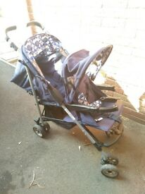 Baby weaver double pushchair
