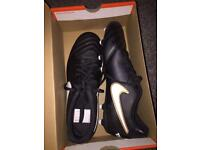 Nike Tiempo Football Boots Size 10 NEVER WORN