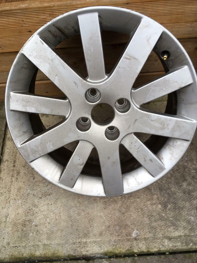 "peugeot 207 17"" alloy and brand new tyre"