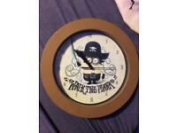 Kids pirate minion clock