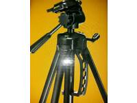 TRIPOD FOR CAMERA AND BINOCULARS