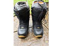 Thirtytwo snowboard boots size 9uk