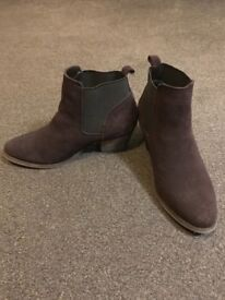 Women's boots, UK size 5, worn one day (Missguided)