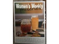 Women's weekly preserves