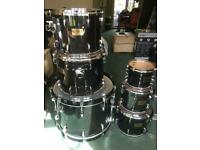 Pearl drum kit, Masters maple 6 piece shell, pearl snare Sabian cymbals and all hardware