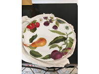 NEW Porcelain plates with fruit pattern x 4