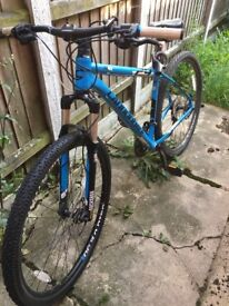 CANNONDALE 29er mountain bike - hardly used! Lovely bike!