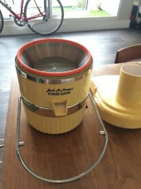 Power Juicer. A classic. Works well. Give away / FREE