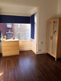 Small Single Self Contained Studio, close to Bournville Train Station, Over 21s only, No DSS.