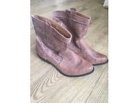 Size 7 brown ankle boots