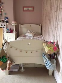 Child's Feather & Black White Single Bed - Great Condition