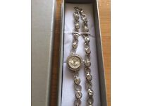 Watch with matching bracelet (boxed)