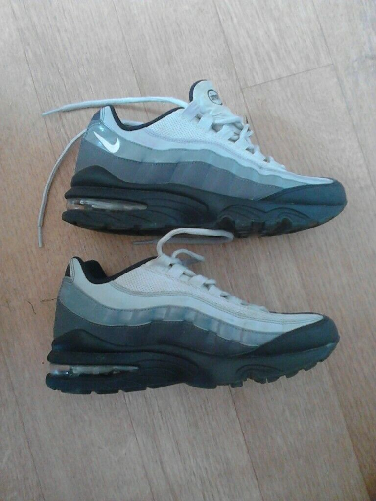 nike airmax trainers | in Sheffield, South Yorkshire | Gumtree