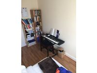 Double room to rent in a flat share, central Epsom