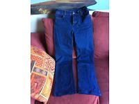 BOOTCUT, STRETCH JEANS - SIZE 8
