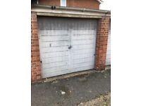 Dry Garage for rent in Maidenhead, quiet location.