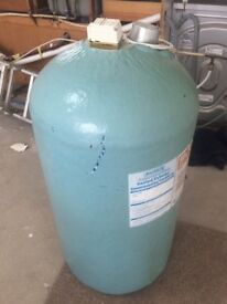 Hot Water Cylinder With Emersion Heater and Cylinder Stat
