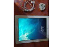 Apple iPad 2 32GB, Wi-Fi , 9.7in - White