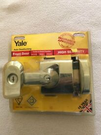 NEW - Yale High Security Auto Deadlock BS1 Nightlatch 60mm ( P-BS1-CH-CH-60) Brass Finish