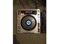 PAIR OF PIONEER CDJ-800 MK2. BRILLIANT CONDITION & PERFECT WORKING ORDER