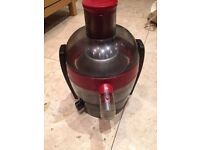 Selling Red PHILIPS HR1832/01 Juicer, barely used, PICK UP ONLY