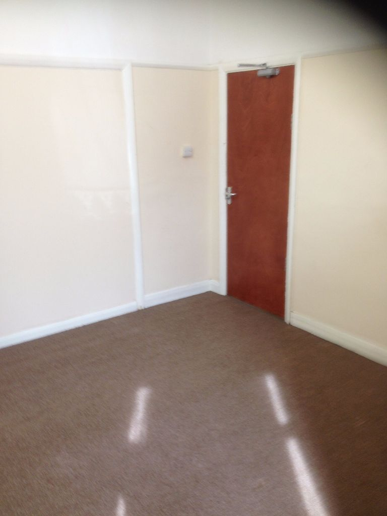 6 LARGE ENSUITE ROOMS IN SEVEN KINGS. £550-£600 PCM. ALL BILLS INCLUDED! 2 MINS TO SEVEN KINGS ST.
