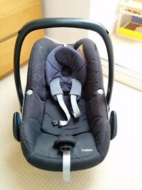 Maxi Cosi Pebble and Pearl car seats with Isofix base
