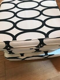 Black and white chair cushions - 6