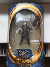 LORD OF THE RINGS FRODO IN GOBLIN ARMOUR FIGURE