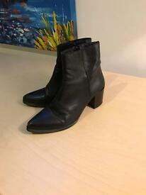 Black leather ankle boots UK 7