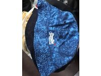 Superdry hat blue-dark blue for £20
