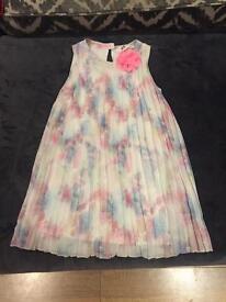 H&M Girls dress age 5-6