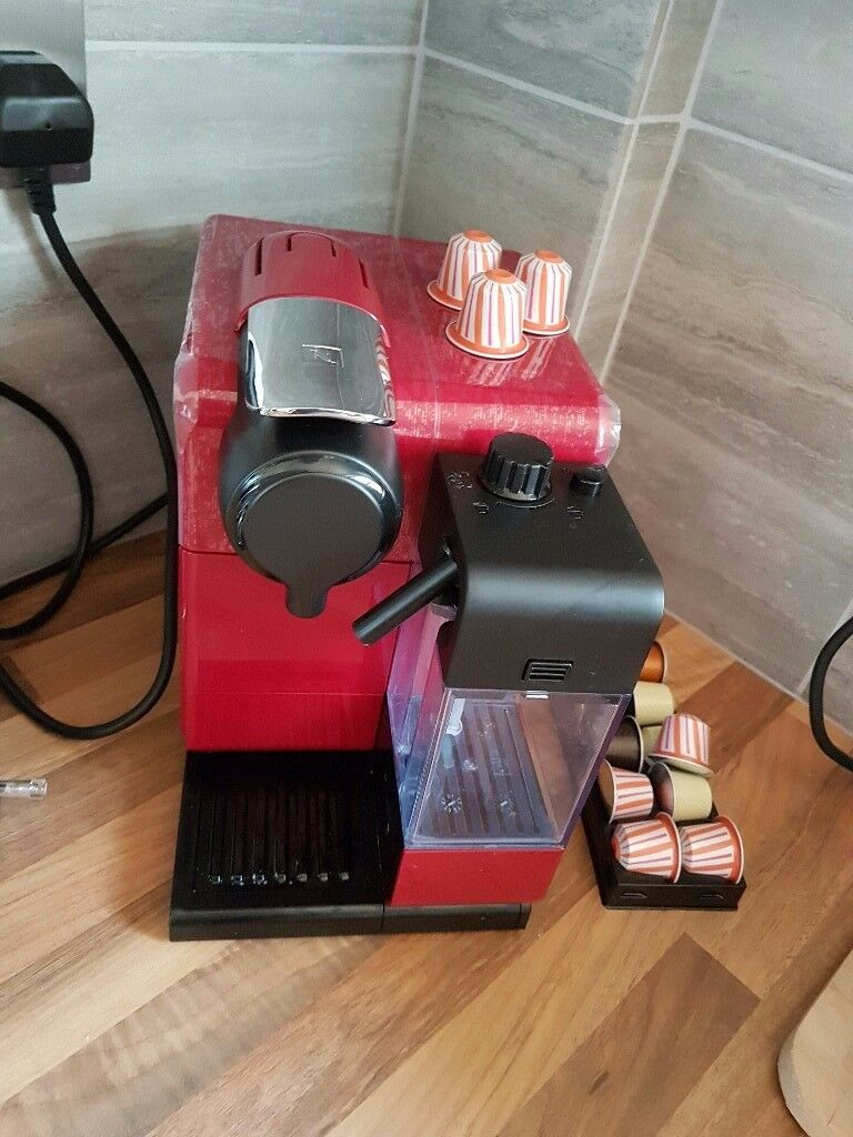 Nespresso LATISSIMA TOUCH Coffee Machine *AS NEW*