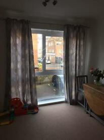 Lovely 2 bed flat for rent, great location, garage and storage. Private.