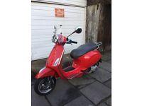 2014 Vespa Primavera 125cc Red £1900