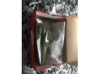 Size 9 men's Nike trainers