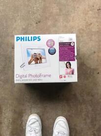 Phillips Digital Photo Frame New
