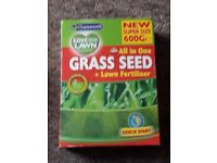 600g box of Grass seeds and lawn fertilizer