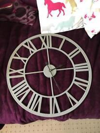 Extra large clock