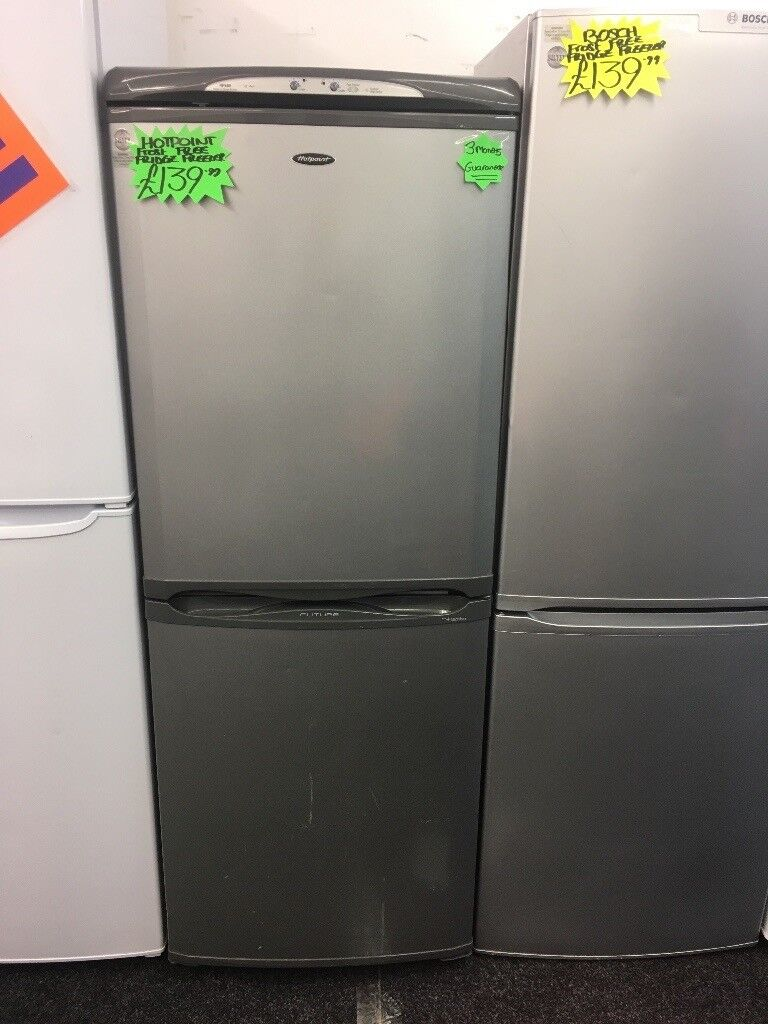 HOTPOINT FUTURE FROST FREE FRIDGE FREEZER IN GREY