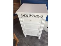 2 Shabby Chic Bedside Cabinets