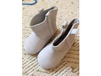 Kids clothes/boots