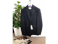 BRAND NEW! Full 3 piece mens Cavani suit