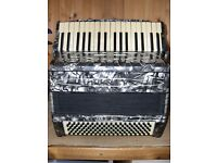 Hohner Regina V, 3 Voice, 34 Treble Keys, 111 Bass, Piano Accordion
