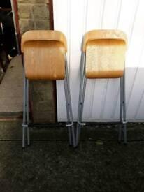 stools bar/breakfast