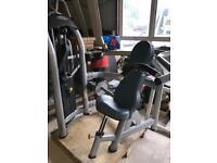 Matrix Commercial Shoulder Press Machine - Weights Gym