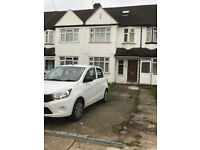 4 bed 2 Bath house to rent in Alperton